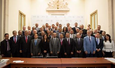La gobernabilidad es tema de estado: Navarrete Prida