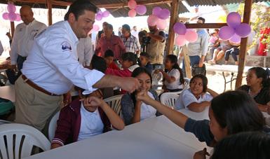Subsecretario Javier García Bejos en un comedor comunitario en Baja California Sur