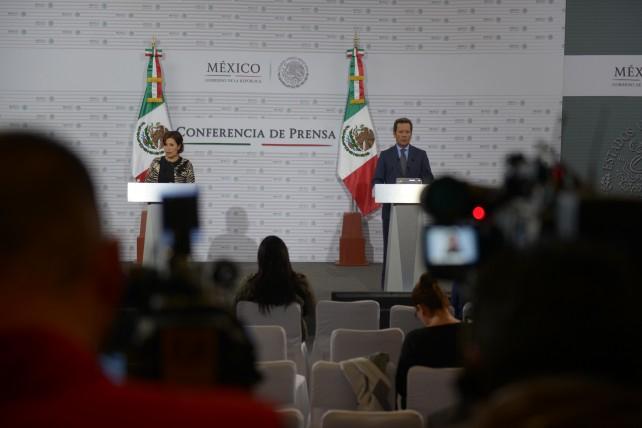 Conferencia de prensa conjunta del Coordinador de Comunicación Social de la Presidencia y Vocero del Gobierno de la República, Eduardo Sánchez Hernández, con la Secretaria de Desarrollo Social, Rosario Robles Berlanga.