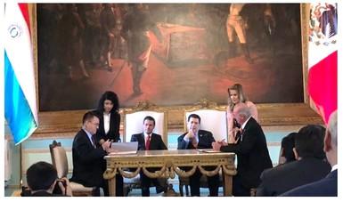 Firman acuerdo de cooperación en materia espacial México y Paraguay