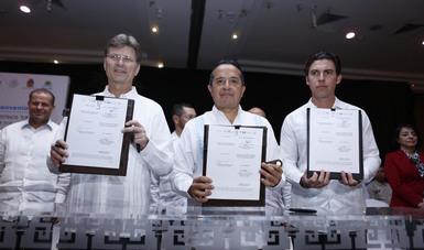 El secretario de Turismo encabezó en Cancún, Quintana Roo, la firma de un convenio para mejorar la seguridad de destinos de ese estado.