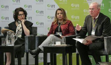"""""""Las TICS no van a cambiar nuestra vida en el futuro, ya lo hicieron"""": Mendieta Jiménez"""