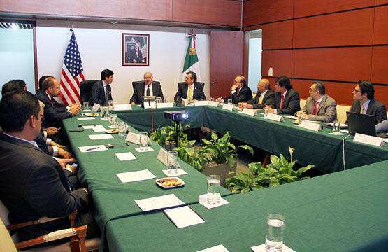 Reunión con Senador Kevin De León.