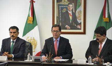 El Secretario del Trabajo y Previsión Social, Roberto Campa Cifrián dando a conocer nombramientos y ratificaciones a funcionarios de la Secretaría del Trabajo