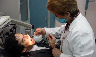 Inaugura ISSSTE 1er. Diplomado y IX Curso de Odontología