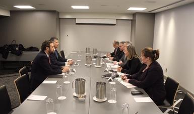 El coordinador de Asuntos Internacionales de la SAGARPA, Raúl Urteaga Trani, sostuvo un encuentro con el Ministro de Agricultura de Quebec, Laurent Lessard, con el propósito de dialogar sobre la relación de comercio e inversión en el sector agropecuario.