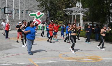 Viernes en Movimiento se diversifica, esta vez la activación física fue de fitness de combate