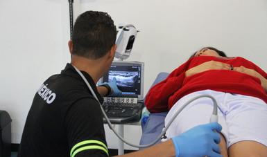 La osteoporosis es una enfermedad asintomática que se puede prevenir, aseguró el doctor Julio Pazos