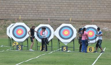 Arqueros aplican en sus entrenamientos pruebas para medir ritmo de disparo, puntuación y ángulos articulares.