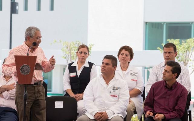 Inauguración del Hospital Regional de Apatzingán, Michoacán.