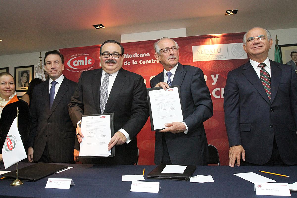 La Secretaría de Desarrollo Agrario, Territorial y Urbano (SEDATU) firmó un convenio de colaboración con la Cámara Mexicana de la Industria de la Construcción (CMIC)