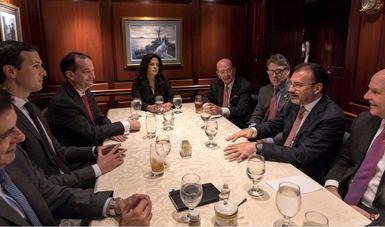 El Secretario de Relaciones Exteriores, Luis Videgaray Caso, sostuvo hoy en la Casa Blanca reuniones con funcionarios de alto nivel del gobierno de Estados Unidos.