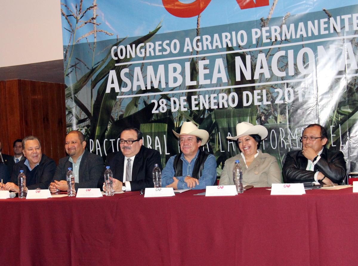 El secretario de Desarrollo Agrario, Territorial y Urbano, Jorge Carlos Ramírez Marín, durante la Asamblea Nacional del Congreso Agrario Permanente (CAP).