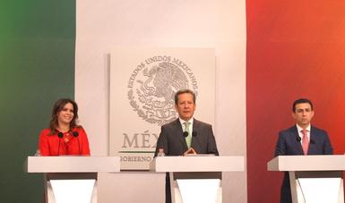 Laura Barrera Fortoul, Antonio Chemor Ruiz y Eduardo Sánchez, en conferencia de prensa detallaron los avances de la Campaña Nacional de Implantes Cocleares que se llevará a cabo del 15 al 28 de Marzo en Pachuca, Hidalgo.