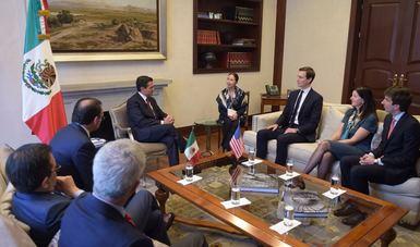 El Presidente Enrique Peña Nieto estuvo acompañado por el Secretario de Relaciones Exteriores, Luis Videgaray, y por el Secretario de Economía, Ildefonso Guajardo.