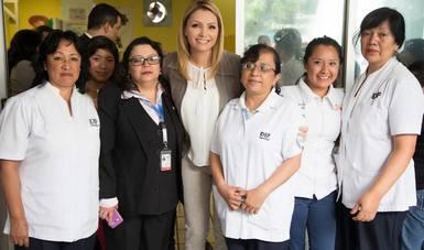 """""""México está lleno de mujeres fuertes y trabajadoras, que están cambiando al país, abriendo nuevos caminos y nuevas oportunidades a otras mujeres. Muchas gracias por su entrega y amor"""": ARP"""