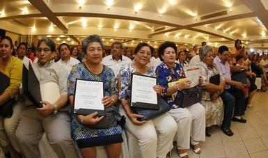 El programa apoya a los derechohabientes a liquidar su adeudo y obtener las escrituras de sus viviendas