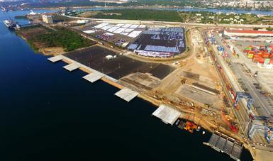 Puerto de Lázaro Cárdenas se prepara  para expansión de industria automotriz