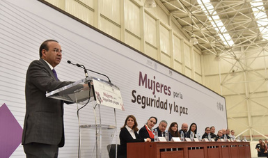 El Secretario de Gobernación, Alfonso Navarrete Prida, durante el evento Mujeres por la Seguridad y la paz