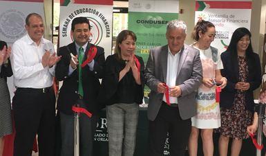 Bansefi enlaza a los connacionales con sus familias en México