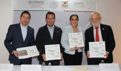 La Dra. Narcedalia Ramírez Pineda durante la presentación del Compendio de Información Básica del INAES.