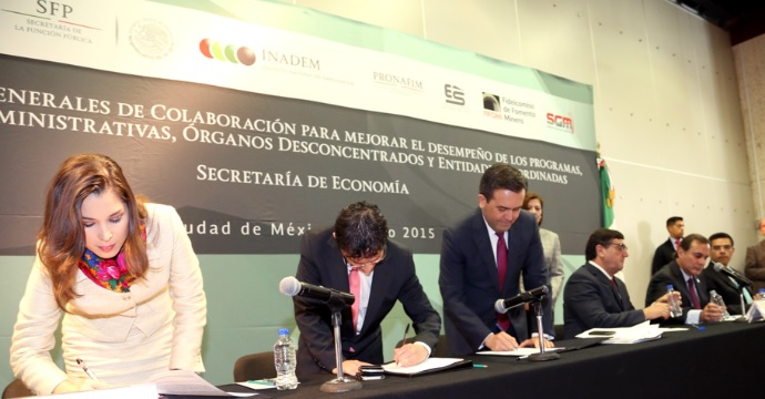 Firma de las Bases de Colaboración entre la SE y la SFP para mejorar el desempeño de los Programas de la dependencia