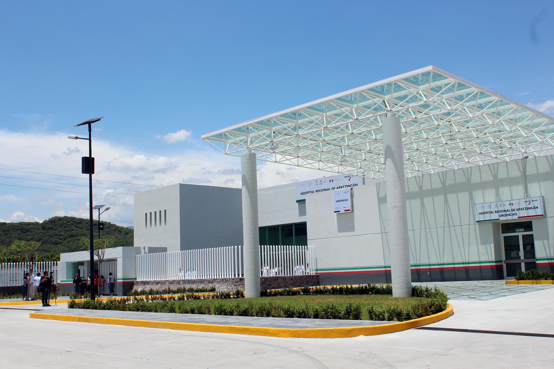 El presidente Enrique Peña Nieto inauguró del Hospital Regional de Apatzingán