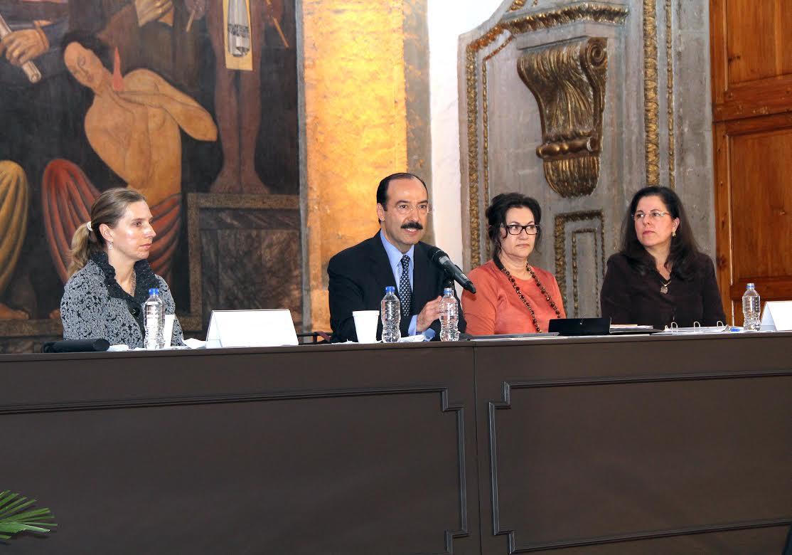 Retos internacionales implican nuevos procedimientos para contribuir a promoción de derechos humanos: Treviño Cantú
