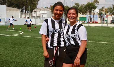 El espacio recuperado cuenta con 3,800 metros cuadrados, con una cancha de fútbol en la que jóvenes acuden diariamente a practicar su deporte favorito.