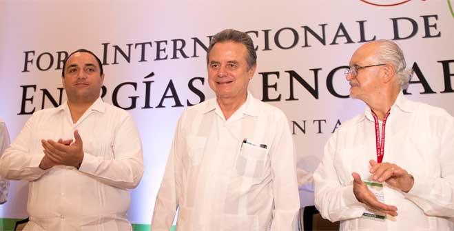 El Secretario de Energía, Pedro Joaquín Coldwell, durante la inauguración del Foro Internacional de Energías Renovables (FIER).