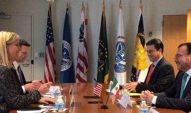 El Secretario de Relaciones Exteriores reiteró que la política migratoria de México se decide de manera soberana y que la cooperación de México con Estados Unidos en esta materia se realiza por así convenir a los intereses de nuestro país.