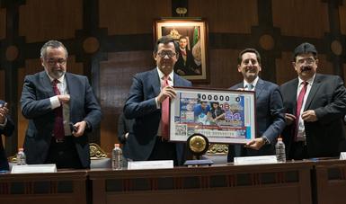 Fotografía oficial del billete conmemorativo al Premio Nacional de Trabajo 2018