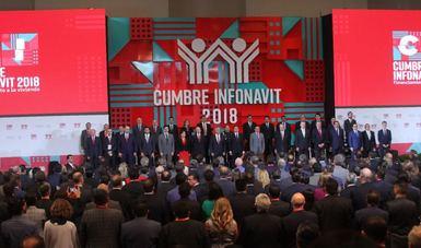 Foto grupal de la Cumbre Infonavit 2018