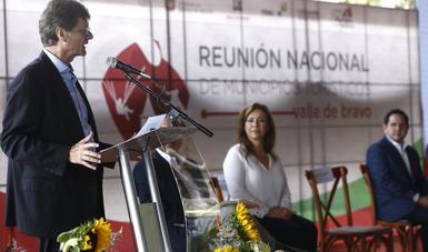 El secretario de Turismo del Gobierno Federal, Enrique de la Madrid, participó en la Reunión Nacional de Municipios de México, que se lleva a cabo en Valle de Bravo, estado de México.