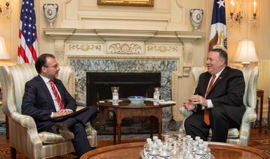 Los Secretarios discutieron la agenda compartida en migración, seguridad y comercio, así como temas regionales sobre Centroamérica y la situación en Venezuela.