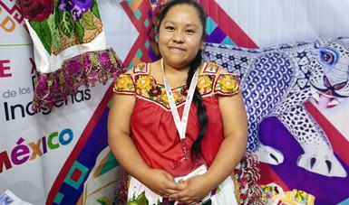Mujer indígena en la expo
