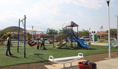 El Jardín de la colonia Palo Alto tiene banquetas, jardineras, juegos infantiles, luminarias y canchas deportivas
