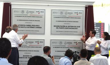 El Primer Mandatario realizó un recorrido de supervisión de los avances en la construcción del Nuevo Puerto de Veracruz, la obra portuaria más grande que haya construido esta Administración, con una inversión superior a los 31 mil millones de pesos.