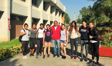 El equipo femenil de canoa y kayak que conforma la preselección nacional a los Juegos Centroamericanos y del Caribe Barranquilla 2018, realizó exámenes médicos.