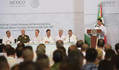 El presidente Enrique Peña nieto ofrece un mensaje durante la instalación del Consejo Nacional de Protección Civil