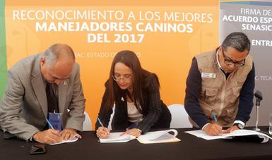 Armando César López Amador, Héctor Manuel Sánchez Anguiano y Nidia Sandoval Alarcón.