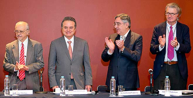 Pedro Joaquín Coldwell, Secretario de Energía, al participar en la sesión inaugural de la Conferencia Anual del Club de Roma.