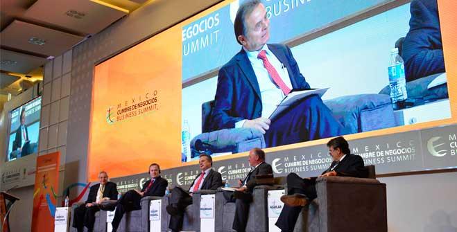 """Pedro Joaquín Coldwell, Secretario de Energía, durante su participación en el panel """"La Revolución Energética: Cómo convertirla en palanca de crecimiento"""" en el marco de la México Cumbre de Negocios 2014."""