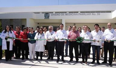 Son ya 17 las clínicas familiares inauguradas como parte del programa de construcción de 40 UMF en todo el país.