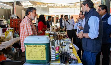 La producción de miel en México se incrementó en cinco mil toneladas durante el primer cuatrimestre del año al alcanzar las 19 mil toneladas, lo que representa un 34.7 por ciento más que el volumen conseguido durante el mismo periodo del 2017.
