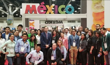 Foto de productores en la expo Canadian Produce Marketing Association (CPMA) 2018.