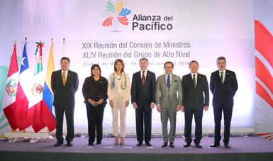 El Secretario de Economía con sus homólogos de la Alianza del Pacífico.
