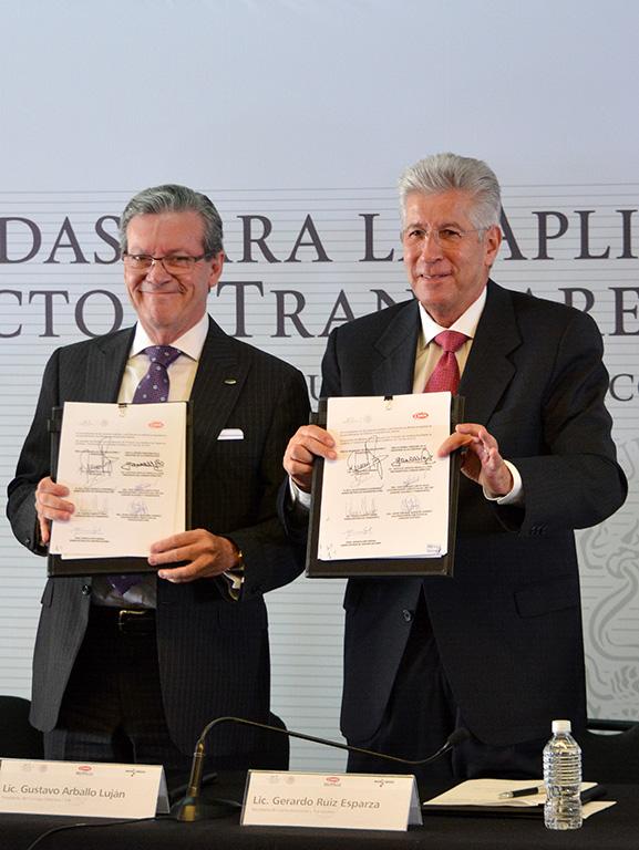 Firman SCT y CMIC medidas para la aplicación del protocolo de transparencia
