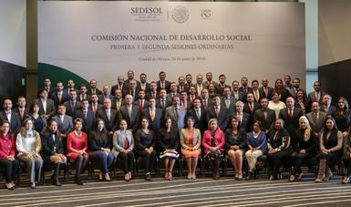 Integrantes de la Comisión Nacional de Desarrollo Social