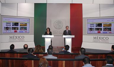 Lic. Patricia Chemor Ruiz, Secretaria General del Consejo Nacional de Población y Lic. Eduardo Sánchez Hernández Coordinador General de Comunicación Social y Vocero del Gobierno de la República